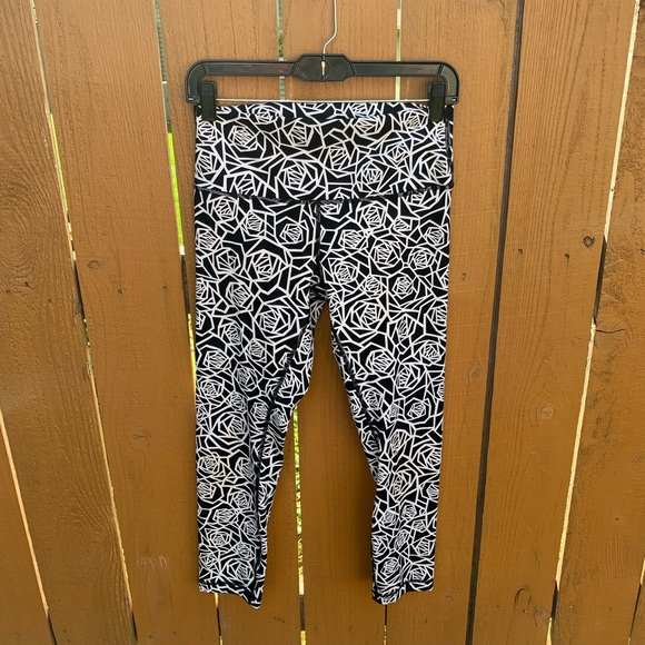 lululemon athletica Pants - Lululemon High Times Posey Flower Crop Leggings